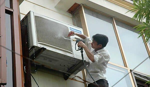 Bảo dưỡng dàn nóng máy lạnh Panasonic