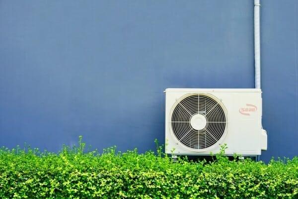Cách vệ sinh cục nóng điều hoà đơn giản tại nhà