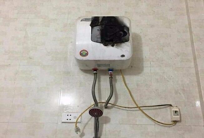 Nguyên nhân và cách sửa bình nóng lạnh có mùi khét