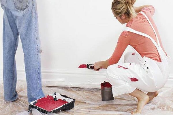 Xử lý nhanh gọn vết sơn dính trên quần áo trong một nốt nhạc