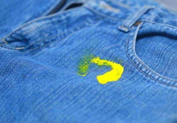 Tổng hợp những tuyệt chiêu nhỏ làm sạch vết bẩn trên quần áo 5
